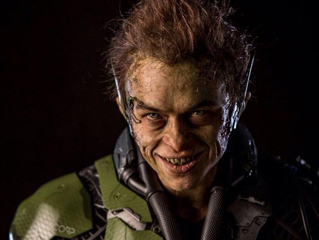 Our Best Look Yet at The Green Goblin in The Amazing Spider-Man 2