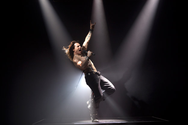 tom cruise rock of ages pics. Tom Cruise in Rock of Ages
