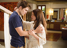 twilightbreakingdawnthree The Twilight Saga: Breaking Dawn   Part 1 Takes First a Third Straight Weekend